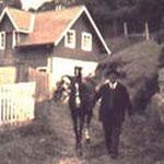 Bild eines Mannes mit Pferd